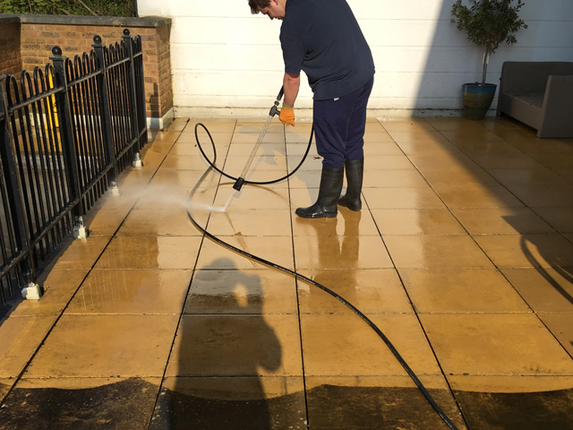 pressure washing and floor deep cleaning